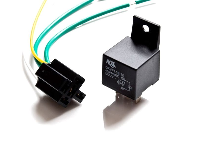 12V RELAY 30 AMP WITH SOCKET